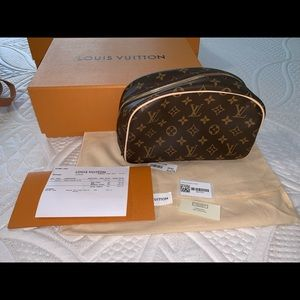 Louis Vuitton Toiletry Bag 25
